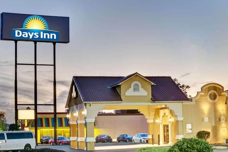 Days Inn by Wyndham Louisville Airport Fair and Expo Center