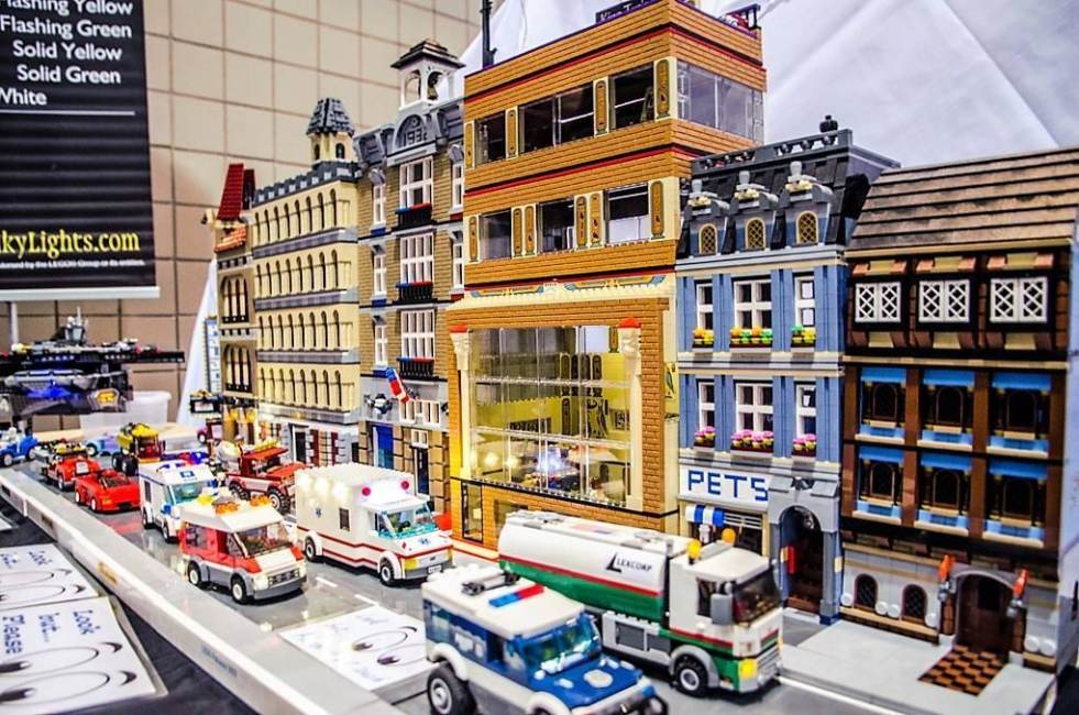 LEGO Convention Returns to Louisville