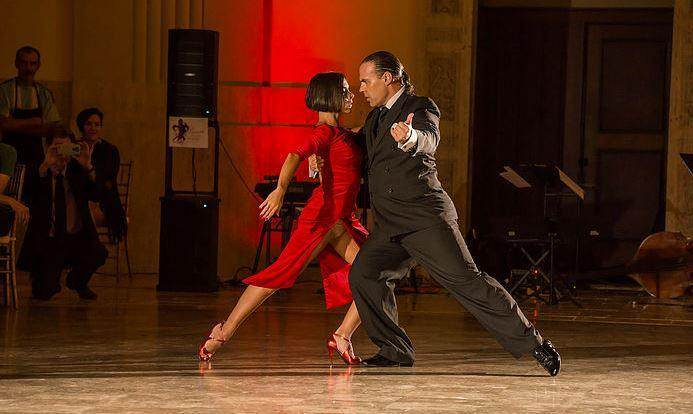 Let Loose and Learn to Tango in Louisville this Summer