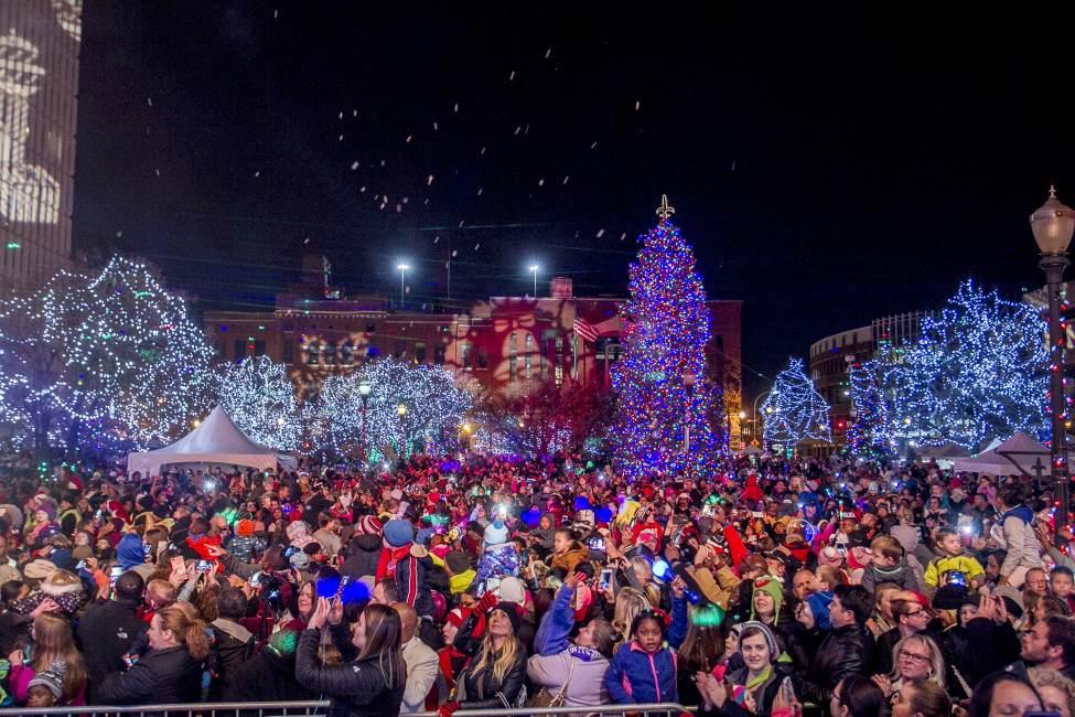 Light Up Louisville Kicks Off Holiday Season in Bourbon City