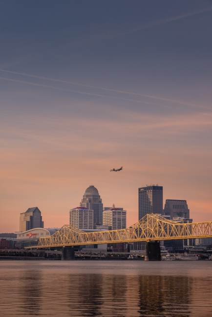 New Flight Offers Nonstop From Bourbon City to Music City
